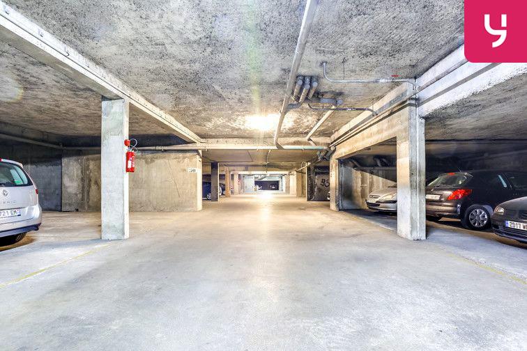 location parking Centre-Ville - Nîmes