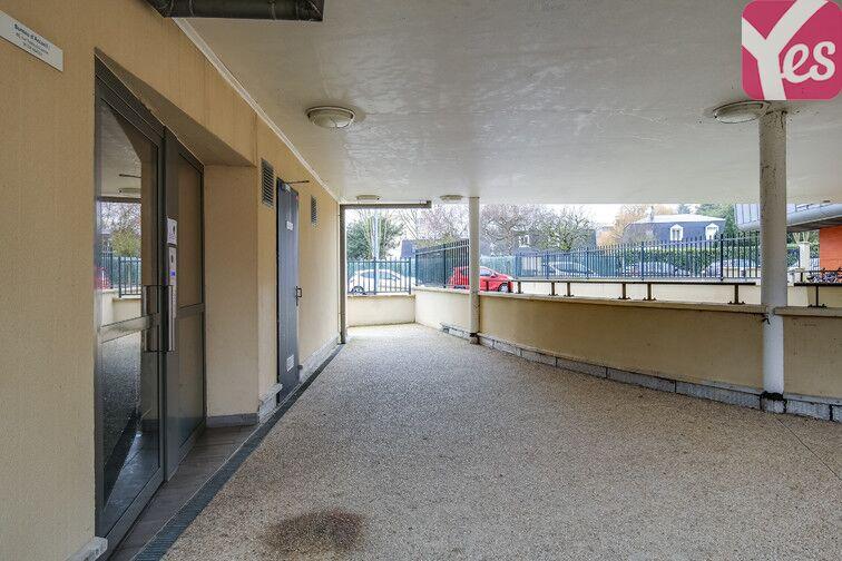 Parking Zone d'activités Les Glaises - Centre-Sud - Palaiseau à louer