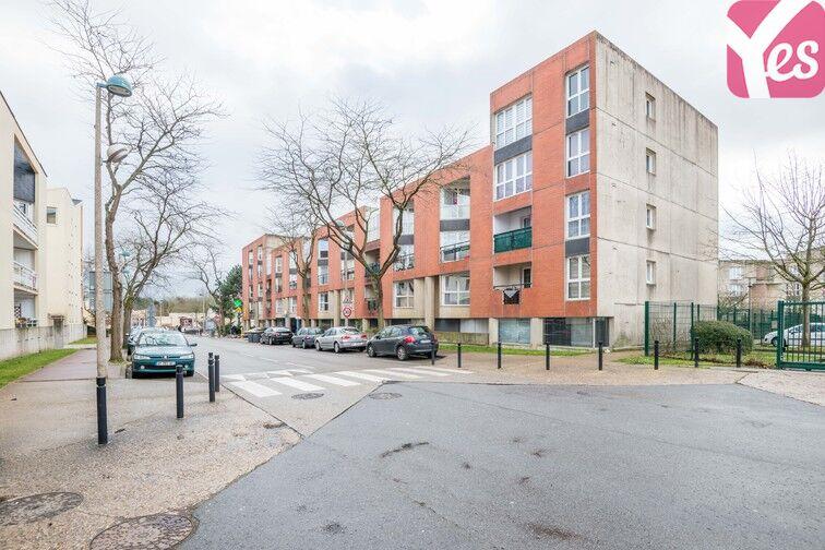 Parking Le Parc - Les Saules - Guyancourt garage
