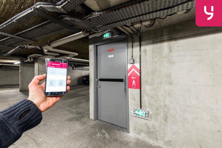 Parking Ecole de Danse - Nanterre (place double) en location