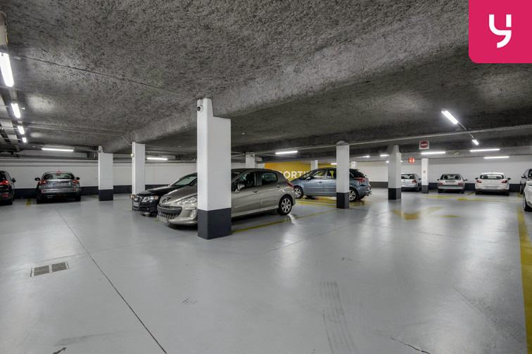 Parking Université de Versailles Saint-Quentin - Montigny-le-Bretonneux avis