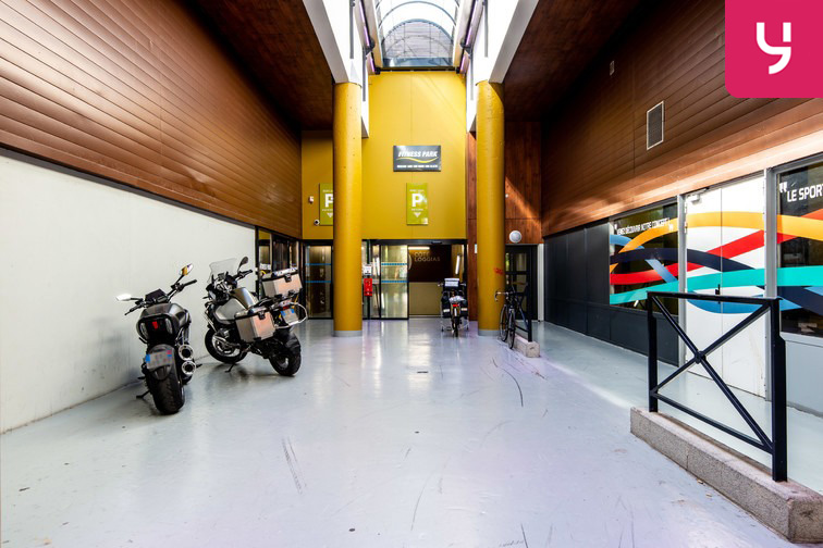 Parking Université de Versailles Saint-Quentin - Montigny-le-Bretonneux gardien