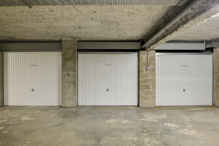 Parking Université de Versailles Saint-Quentin - Montigny-le-Bretonneux pas cher