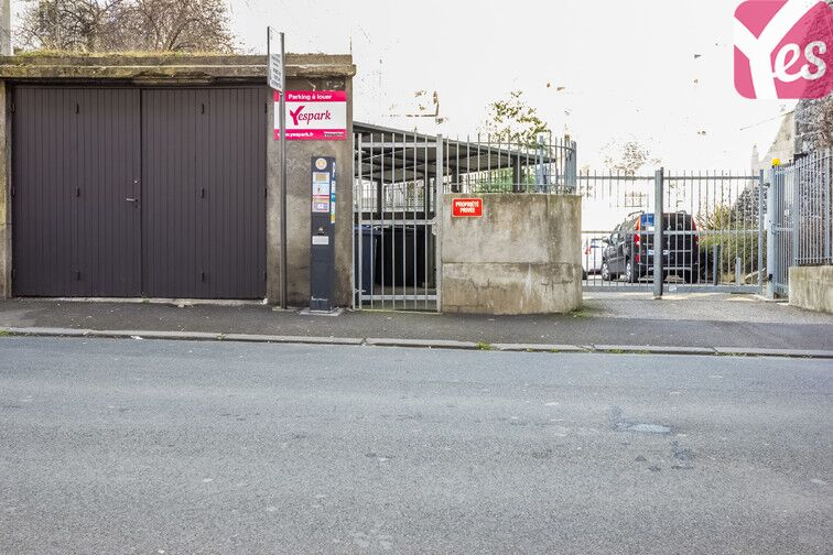 Parking Gare de Clermont-Ferrand - Delille - Cathédrale location