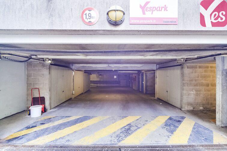 Parking Faubourg de l'Arche - Pôle universitaire - Courbevoie caméra