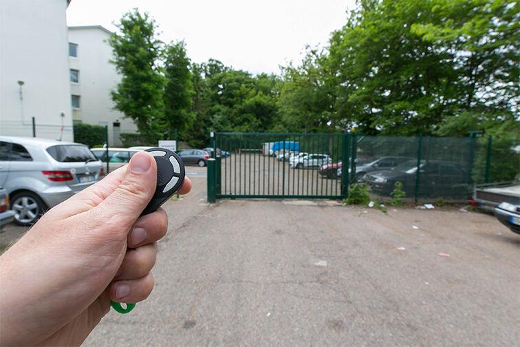 Parking Centre-ville - Dourdan (aérien) location