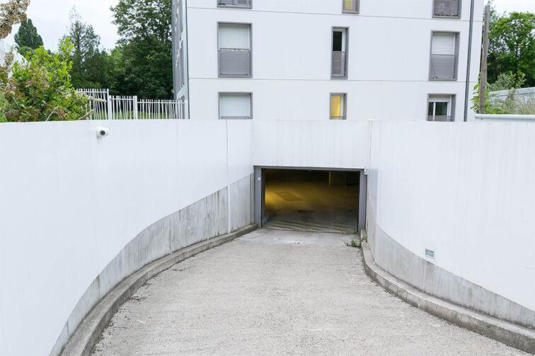 Parking Torcy 2 garage