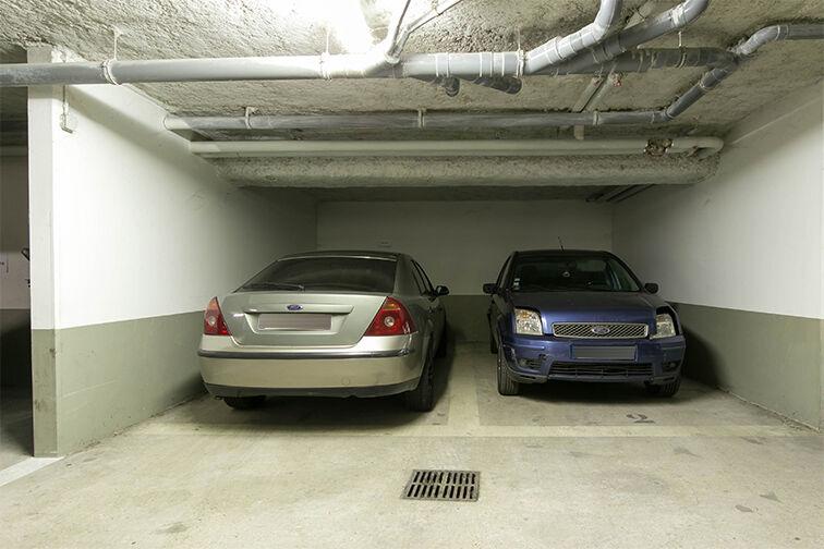 Parking Lumière - Liberté à louer