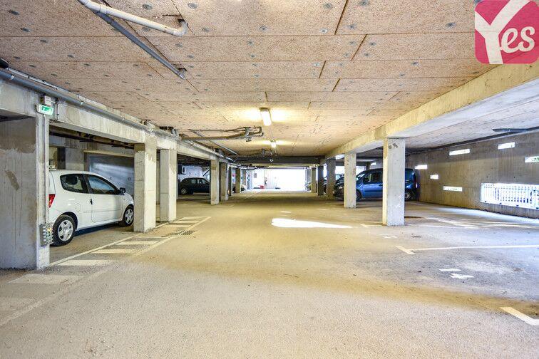 Parking Est - La Seyne-sur-Mer garage