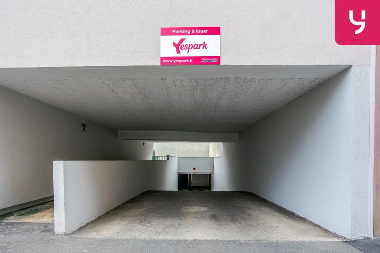 location parking Est-Annecy-le-Vieux
