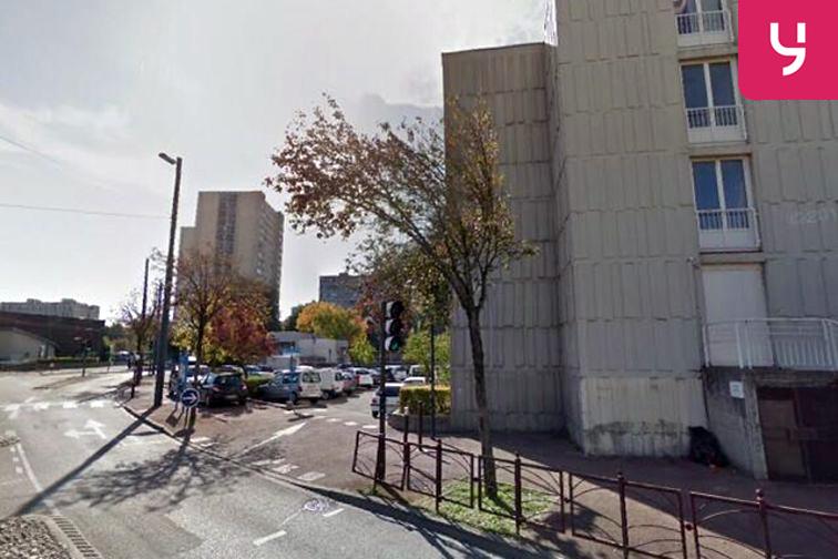 Parking Ville Neuve - Echirolles pas cher