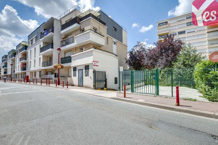 Parking Fresnes - Rue Maurice Tenine en location
