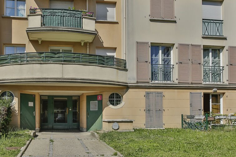 Parking Stade Maurice Hubert - Rueil-Malmaison gardien