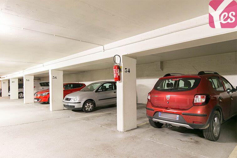 Parking Coteau Rive Droite - Sèvres pas cher