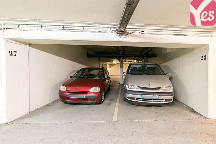 Parking Coteau Rive Droite - Sèvres sécurisé