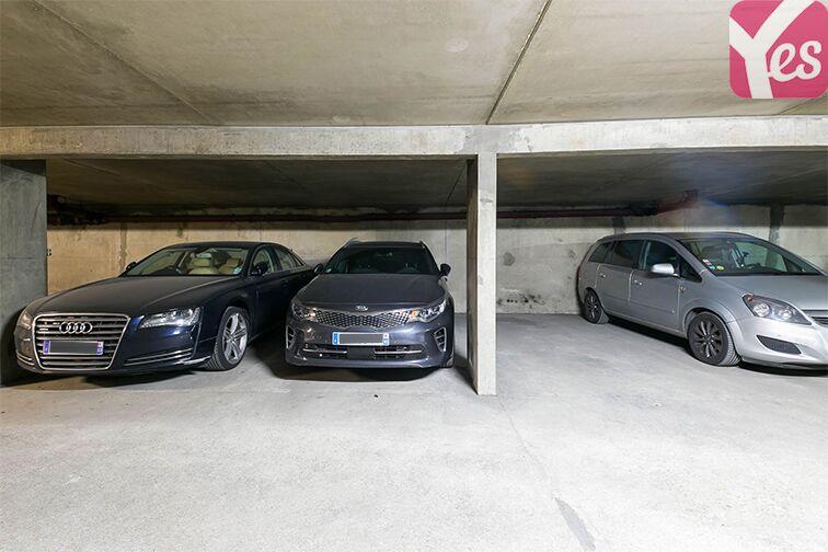 Parking Le Bourget RER - rue du Chevalier de la Barre - Le Bourget 24/24 7/7