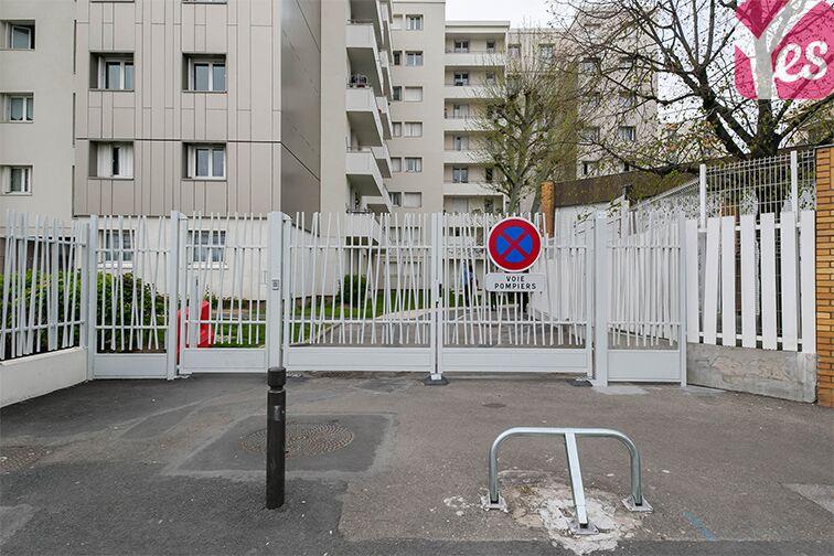 Parking Le Bourget RER - rue du Chevalier de la Barre - Le Bourget garage