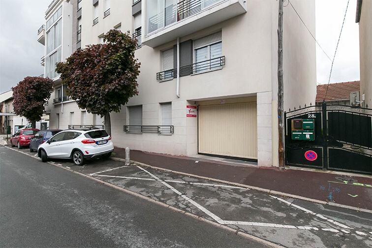 Parking Nord - avenue Jean-Jacques Rousseau - Livry-Gargan 2/6 rue Voltaire