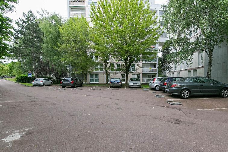 Parking Eglise - Pommiers - Collège Lavoisier - Pantin (aérien) box