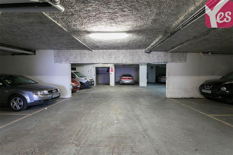 Parking Axe majeur - Horloge - Cergy sécurisé