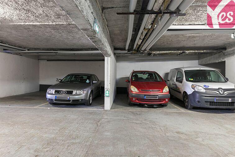 Parking Axe majeur - Horloge - Cergy garage