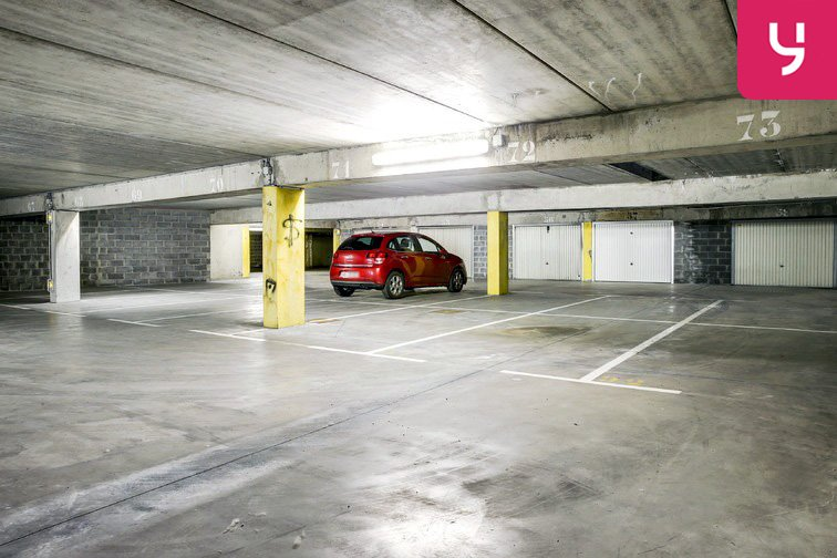 location parking Axe majeur - Horloge - Cergy