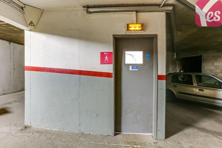 Parking Les Hauts-de-Cergy - Rue de la Parabole - Cergy 24/24 7/7