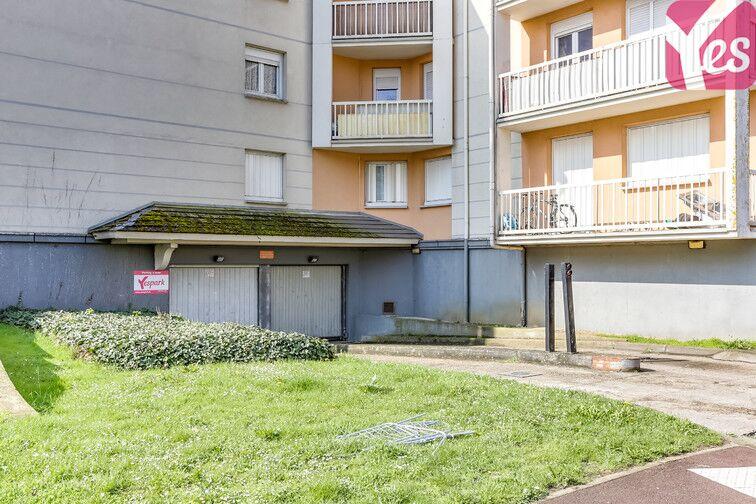 Parking Les Hauts-de-Cergy - Rue de la Parabole - Cergy 95800