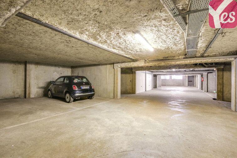 Parking Europe - Place des Alpes - Guyancourt (Droite) sécurisé
