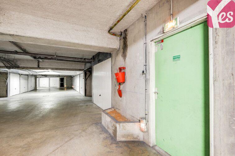 Parking Le Pont du Routoir - rue des Rougon Macquart - Guyancourt location