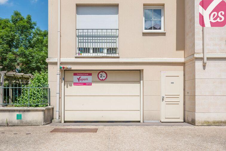 Parking Le Pont du Routoir - rue des Rougon Macquart - Guyancourt pas cher