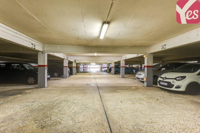 Parking La Chataigneraie - La Celle-Saint-Cloud garage