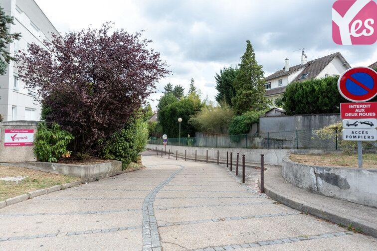 Parking La Chataigneraie - La Celle-Saint-Cloud 37 Avenue Lucien René Duchesne