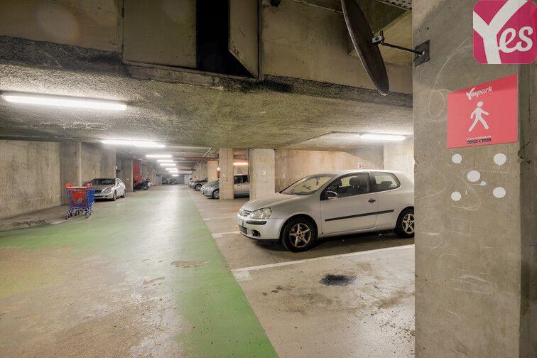 Parking Saint-Quentin - Montigny-le-Bretonneux location