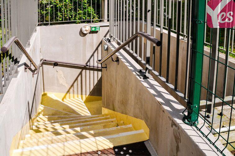 Parking Eglise - Gare - Neuilly-Plaisance gardien