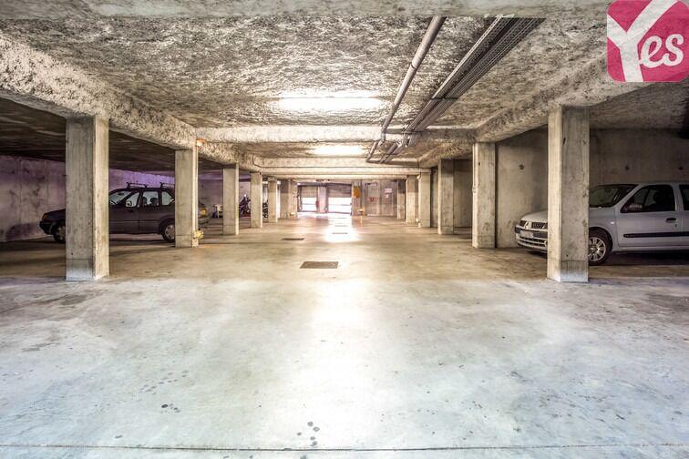 Parking Les Pyramides - Place des Miroirs - Evry souterrain