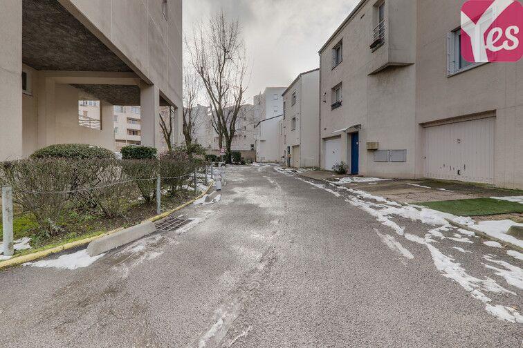 Parking Les Epinettes - Square Paul Lafargue - Evry location mensuelle