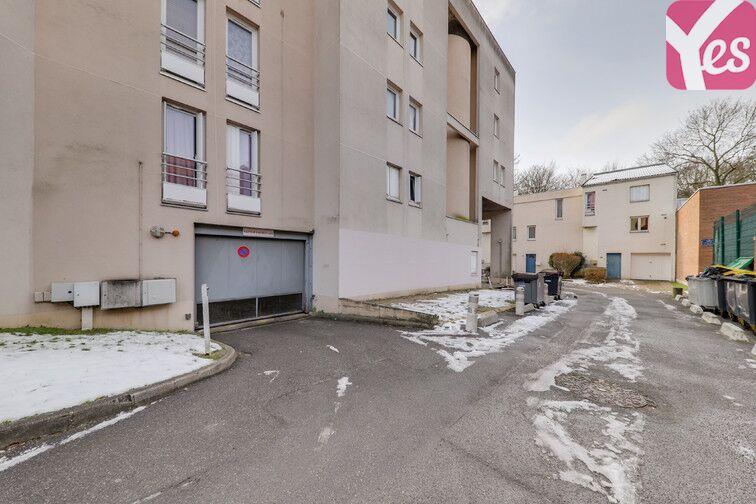 Parking Les Epinettes - Square Paul Lafargue - Evry en location