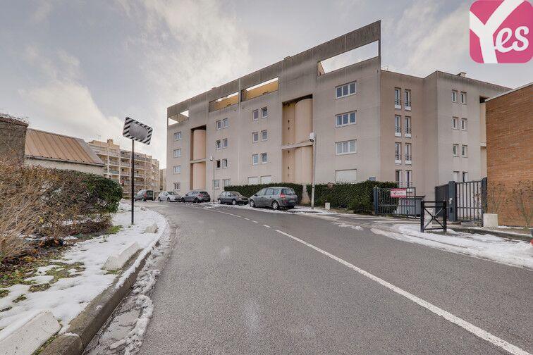 Parking Les Epinettes - Square Paul Lafargue - Evry 91000