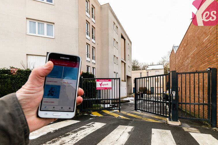 Parking Les Epinettes - Square Paul Lafargue - Evry 24/24 7/7