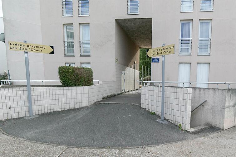 Parking Les Epinettes - Square Paul Lafargue - Evry caméra