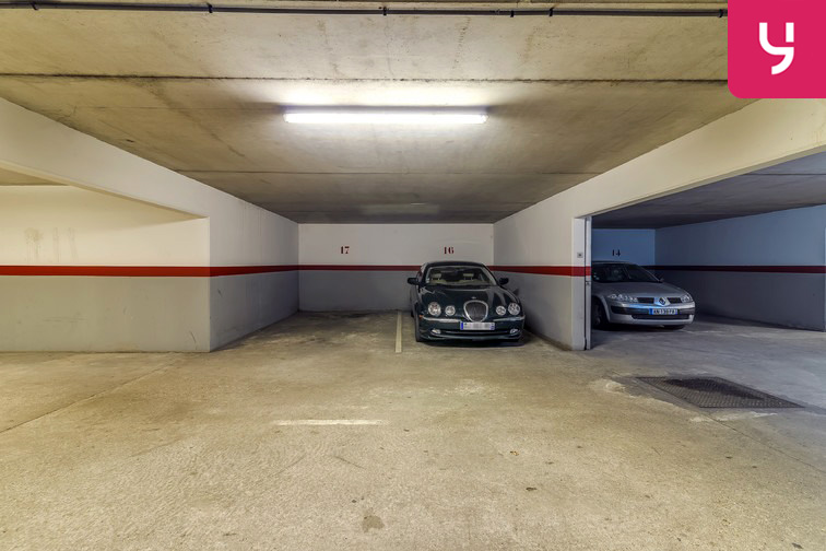 Parking Les Pyramides - Bd Europe - Evry souterrain