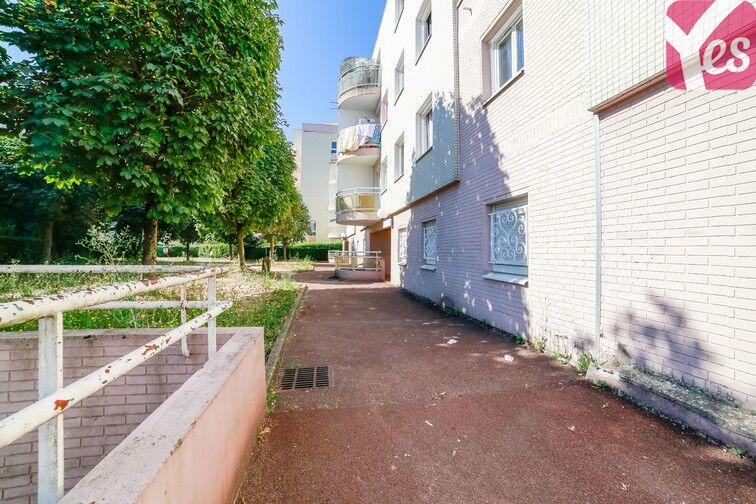 Parking Les Pyramides - Rue Paul Claudel - Evry location mensuelle
