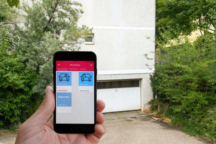 Ouvrez la porte basculante avec l'application Yespark