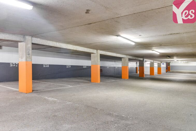 Parking Volontaires - Gare Montparnasse box