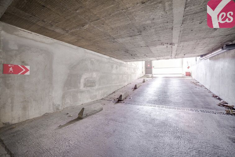 Parking Ste Marguerite Dromel - Marseille 8 location