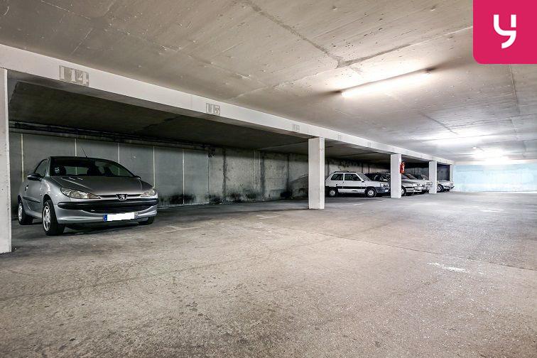 Parking Rosier - Les puces 21 rue Desportes