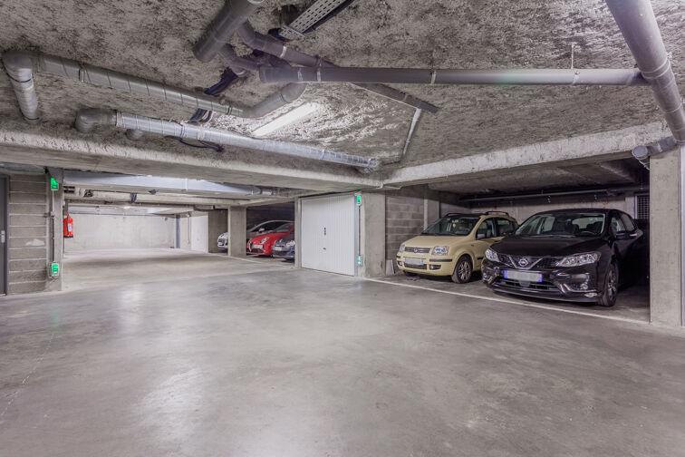 Parking Métro Place Jean Jaurès - Lyon 7 box