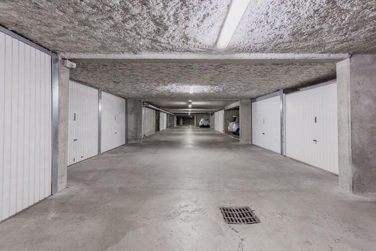 Parking Métro Place Jean Jaurès - Lyon 7 souterrain