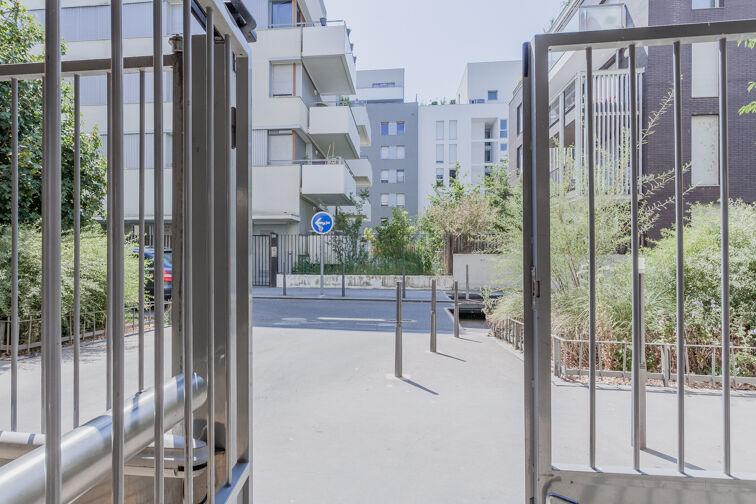 Parking Métro Place Jean Jaurès - Lyon 7 location mensuelle